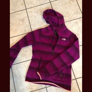 North Face purple pullover Jacket hoodie S